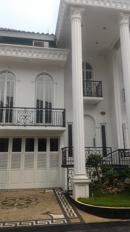 Jual Rumah Town House Grand Maritza di Jakarta Timur